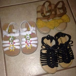 Girls bundle sandals